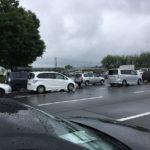 混雑する車検場
